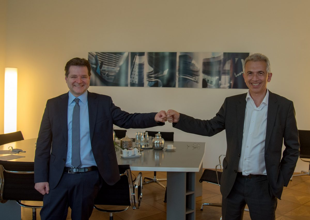 Frankfurts Oberbürgermeister Peter Feldmann und Andrei Kovacs