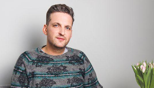 Porträt von Podcast Moderator Miron Tenenberg